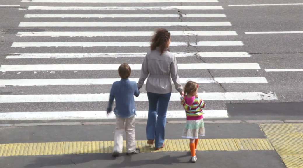 How to Safely Help Children Cross the Road