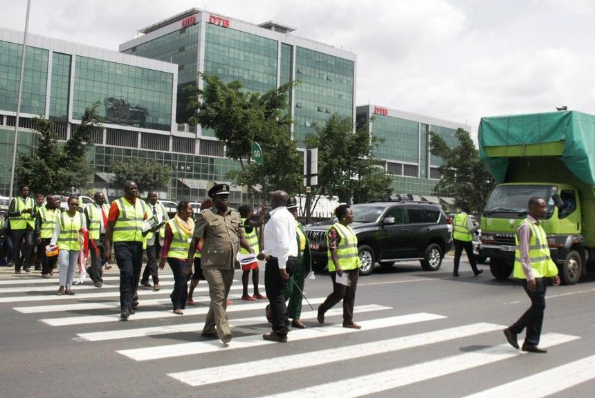 road safety tipsfor pedestrians